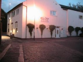 Dog Friendly BandB South shields, Tyne and Wear Mill Dam Guest House